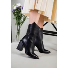 Полусапожки женские кожаные черные на каблуке демисезонные