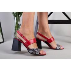 Босоножки женские кожаные красные на каблуке