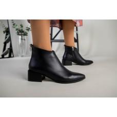 Ботильоны женские кожаные черные на небольшом каблуке демисезонные