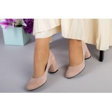 Туфли женские велюровые светло-бежевые на небольшом каблуке