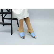 Женские кожаные шлепанцы голубого цвета