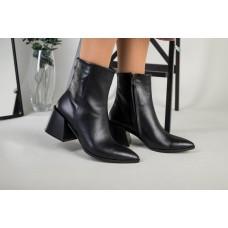 Ботильоны женские кожаные черные с расклешенным каблуком демисезонные